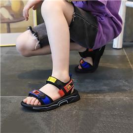 Sandalen met jongensletter en grafisch blok