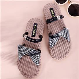 Houndstooth Slipper