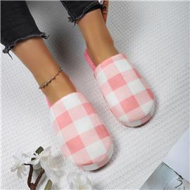 Pantoffels met ruitpatroon