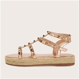 Gladde sandalen met bezaaid decor