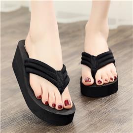 Getextureerde minimalistische slippers
