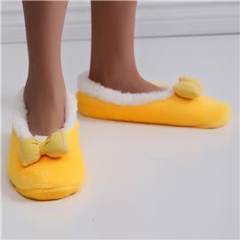 Pluizige pantoffels met brede pasvorm en strikdecor