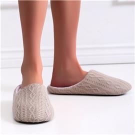 Pantoffels met geometrische textuur