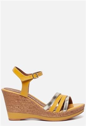 Tamaris Sandalen met sleehak geel
