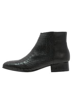 Fred de la Bretoniere Korte laarzen black