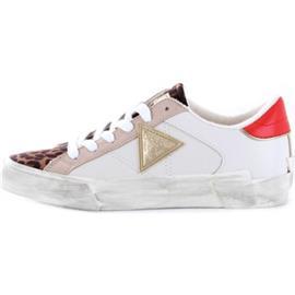 Lage Sneakers Guess FL5WESELE12
