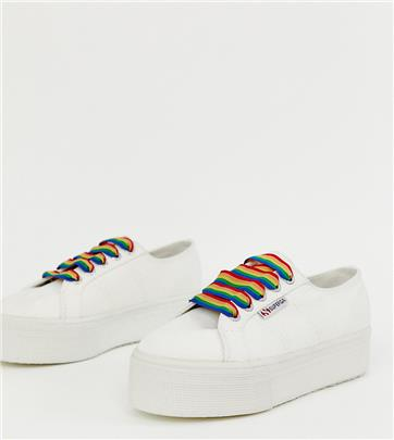 Superga - 2790 - Exclusieve witte sneakers met dikke zool en regenboogkleurige veters