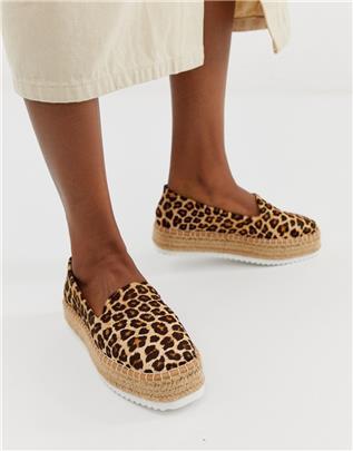 ASOS DESIGN - Jenna - Leren platte espadrilles met luipaardprint-Multi