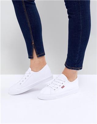 Levi's - Canvas schoenen met rood label in wit
