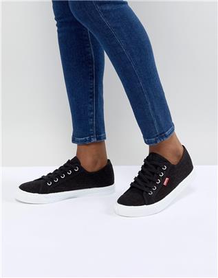 Levi's - Canvas schoenen met rood label in zwart