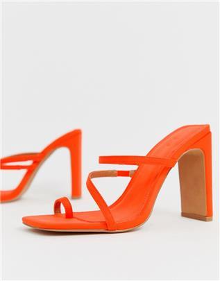 ASOS DESIGN - Heckle - Minimalistishe sandalen met blokhak en teenlusje in neon oranje