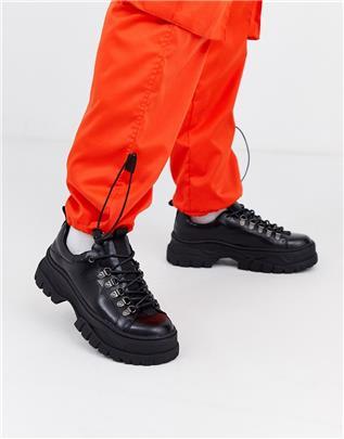 ASOS DESIGN - Sneakers van zwart imitatieleer met dikke zool