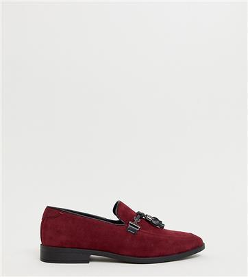 ASOS DESIGN - Loafers met kwastje en brede pasvorm van bordeauxrode imitatie-suède-Rood
