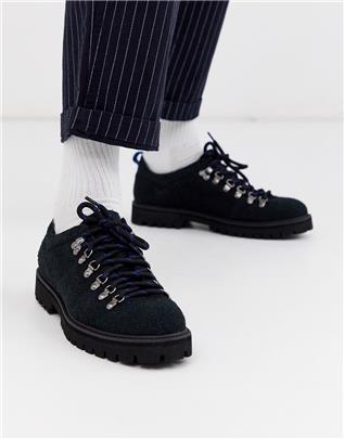 ASOS DESIGN - Suède wandelschoenen in zwart met zwarte zool