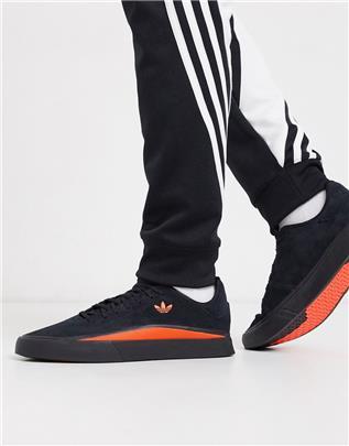 adidas Originals - Sabalo - Sneakers van suède in zwart