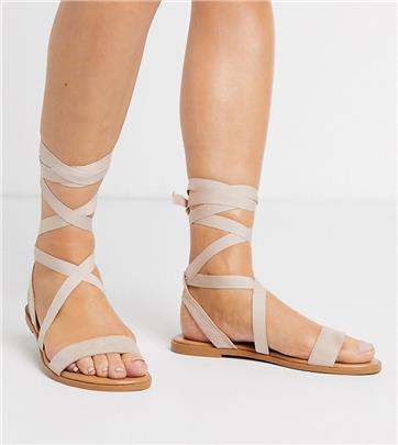 ASOS DESIGN - Finland - Platte sandalen met strikbanden in beige met brede pasvorm