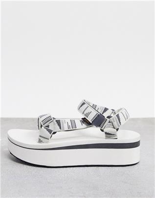 Teva - Universal - Sandalen met dikke plateauzool in wit