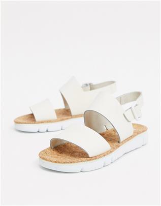 Camper - Platte leren sandalen in gebroken wit