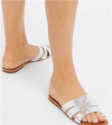 Glamorous Wide Fit - Platte sandalen met zilver metallic slangenprint