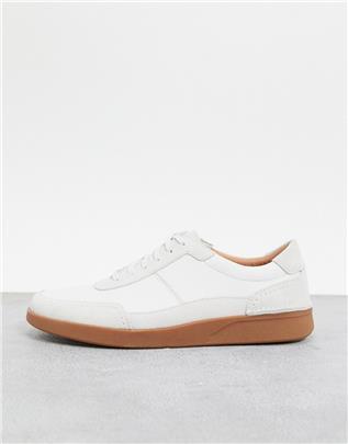 Clarks - Oakland - Sneakers in wit