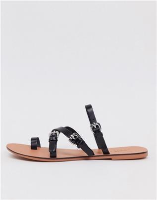 ASOS DESIGN - Family - Platte leren sandalen met gesp in zwart