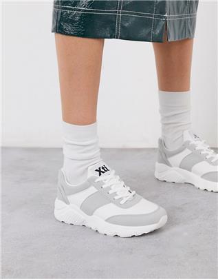 XTI - Hardloopschoenen met veters in beige-Neutraal