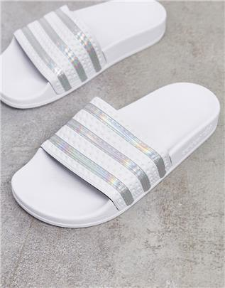 adidas Originals - Adilette - Slippers in wit en zilver