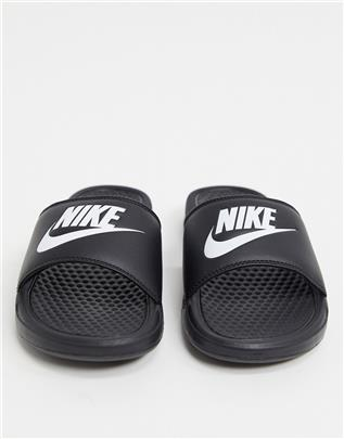 Nike - Benassi - Slippers in zwart