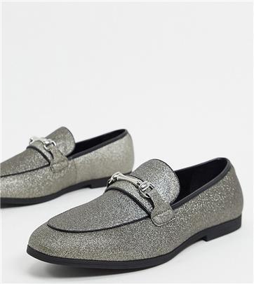 ASOS DESIGN - Loafers met trens en vrede pasvorm in zilver glitter