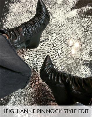ASOS DESIGN - Eventful - Laarzen met hoge hak en ruches in zwart