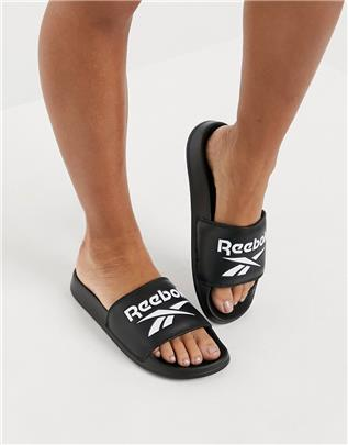 Reebok - Slippers met logo in zwart