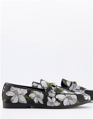 ASOS DESIGN - Loafers in zwart met bloemenprint en trens