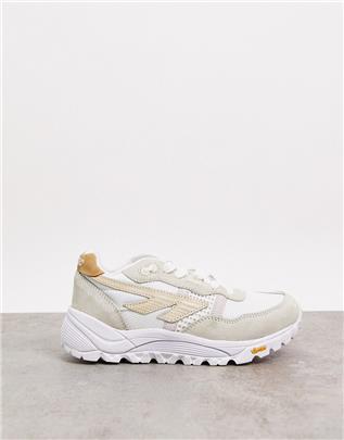 Hi-Tec - BW Infinity - Sneakers met dikke zool in gebroken wit-Crème
