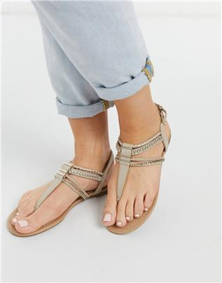 Call it Spring - Treanna - Versierde sandalen met T-band in naturel-Beige