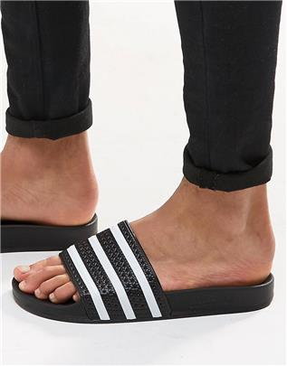 adidas - Originals Adilette - Slippers in zwart 280647