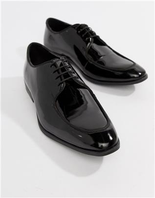 ASOS DESIGN - Lakleren schoenen met veters van imitatieleer in zwart